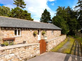 STABLE COTTAGE, en-suite facilities, WiFi, rural location, ground floor cottage near Ingleton, Ref. 913799 - Ingleton vacation rentals