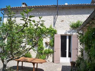 Nice 3 bedroom Gite in Eynesse - Eynesse vacation rentals