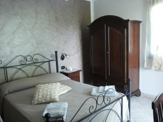 3 bedroom B&B with Garden in Casal Velino - Casal Velino vacation rentals