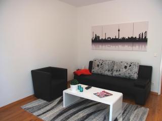 zentrale Ferienwohnung an der Spree - Berlin vacation rentals