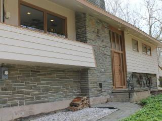 Poconos (Lake Harmony) - 4 Bedroom, 3 Bathroom - Lake Harmony vacation rentals