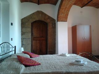 Bright 2 bedroom Farmhouse Barn in Rufina with Internet Access - Rufina vacation rentals