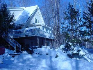Nice, cozy, secluded home near N. Conway & skiing. - Glen vacation rentals