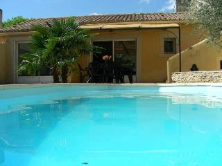 gite village - Nyons vacation rentals