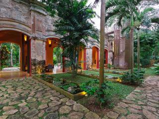 Private getaway in grand, historic hacienda. - Acanceh vacation rentals
