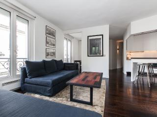 Bright, Modern Apartment Rental in Montmartre - Paris vacation rentals