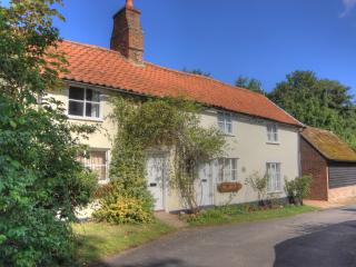 2 Bed - 18C Cottage 20 mins-Cambridge - Royston - Cambridge vacation rentals
