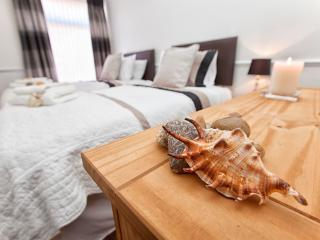 Beautiful House with Dishwasher and Kettle - Newbiggin-by-the-Sea vacation rentals