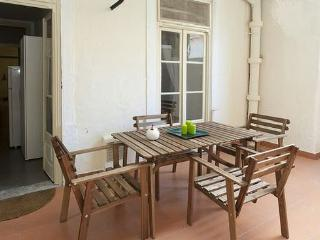 APARTMENT IN LAPA**FREE PARKING** - Lisbon vacation rentals