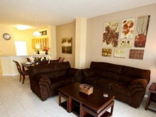 3 Bedroom 2.5 Bathroom Townhome with Private Pool. 3033YLL - Orlando vacation rentals