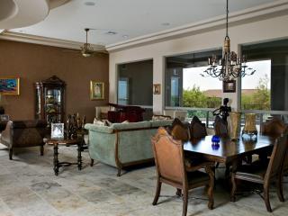 Scottsdale Luxury Home, Prime Scottsdale Location. - Scottsdale vacation rentals