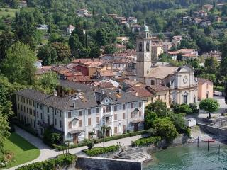 2 bedrooms apt and terraces  50 meters by the lake - Bellagio vacation rentals