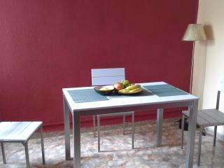 Nice apartment with practical location to the see, city of science of Valencia, near of Rio - Valencia Province vacation rentals