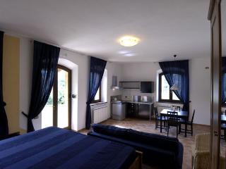 Loft sul Lago di Polverina - Camerino vacation rentals