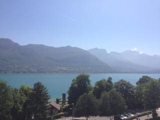 Studio vue panoramique sur le lac - Sevrier vacation rentals