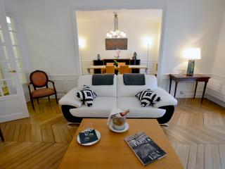 15 LACEPEDE : Prestigious flat in Latin Quarter - Paris vacation rentals