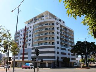 LUCKY CHARMS Holiday Apartment - (CBD) DARWIN - Darwin vacation rentals