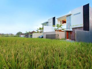 2 Bedrooms Villa Brawa - Denpasar vacation rentals