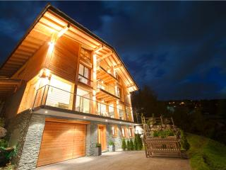 Luxury Bed & Breakfast Chalet Grand Loup - Valais vacation rentals