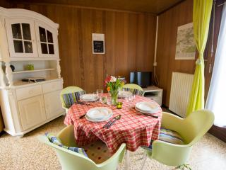 Comfortable 2 bedroom Chimay Cottage with Dishwasher - Chimay vacation rentals