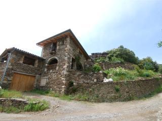 Gite de caractère LA GUARIBOTE en Ardèche cévenole - Joyeuse vacation rentals
