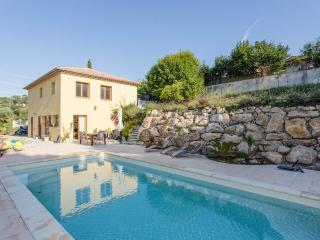Garden home with pool 5 min from Cannes & beac - Cannes vacation rentals