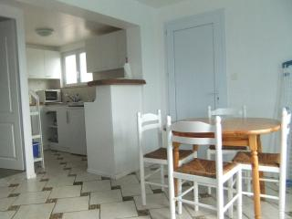 Nice Gite with Internet Access and Kettle - Saint-Martin-de-Seignanx vacation rentals