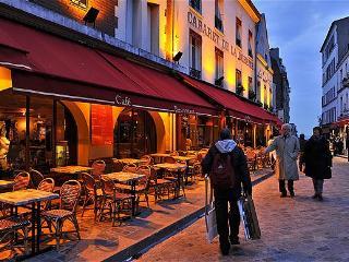 2 bedroom Condo with Internet Access in Paris - Paris vacation rentals