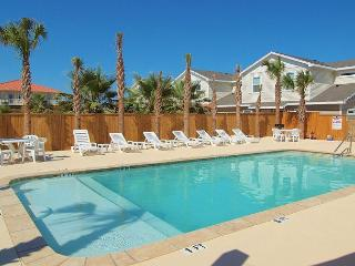 New 3/2.5 Townhouse Close to the Beach and w/a Saltwater Pool! - Corpus Christi vacation rentals
