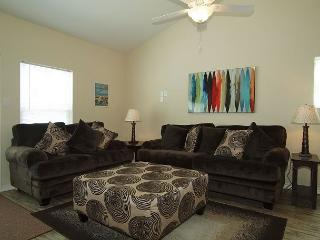 Gorgeous End-unit w/lots of extras including a Saltwater Pool - Corpus Christi vacation rentals