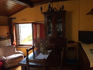 Studio mansardato a 200 mt dal centro di Dorga - Castione della Presolana vacation rentals