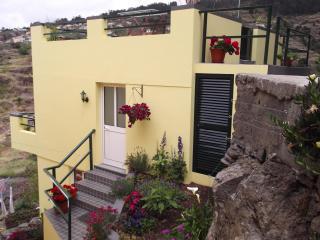 Palheiro Cottage stunning views of mountains / sea - Calheta vacation rentals