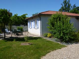 Romantic Gite with Internet Access and Satellite Or Cable TV - Vianne vacation rentals