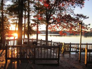 Relax & Have Fun......Enjoy All 4 Seasons At Our Cozy Townhome on Lake Delton In Wisconsin Dells - Baraboo vacation rentals