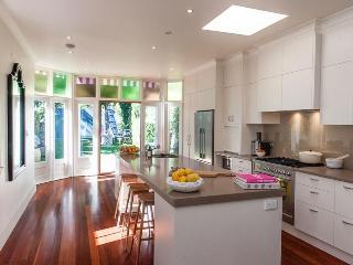 Gorgeous 3 bedroom House in Bondi - Bondi vacation rentals