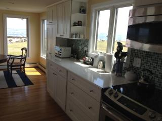 Shangri La Beach House on the Water, 1/4 mile from Wallis Sands and Ordiorne Pt - Rye vacation rentals