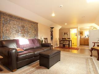 Furnished Upper Condo in Gig Harbor - Gig Harbor vacation rentals