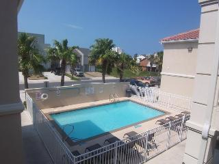 Convenient 2 bedroom House in South Padre Island with Internet Access - South Padre Island vacation rentals