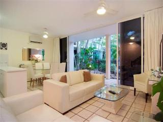 Yaringa # 7 - Close to beach and town centre - Mossman vacation rentals