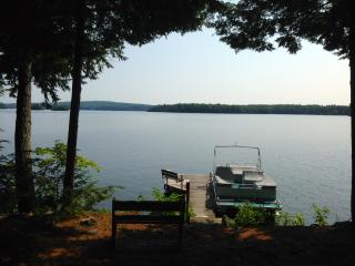 Laughing Loon Cottage on Lake Cobbosseeconte - Winthrop vacation rentals