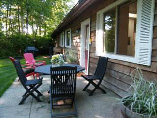 Cozy Cottage with Internet Access and A/C - Duncan vacation rentals