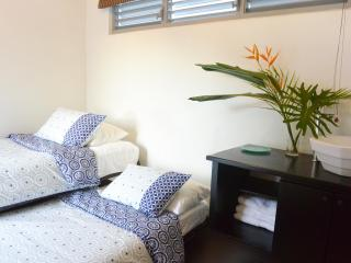 PRIVATE DOUBLE ROOM #5 AT ZEN RETREAT NEAR TRAIN - San Juan vacation rentals