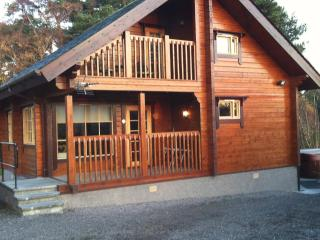 2 bedroom Cabin with Hot Tub in Keith - Keith vacation rentals
