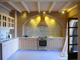 Cozy 3 bedroom Vourvourou Villa with Internet Access - Vourvourou vacation rentals