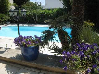 Très joli studio tout confort Aix en Provence - Aix-en-Provence vacation rentals