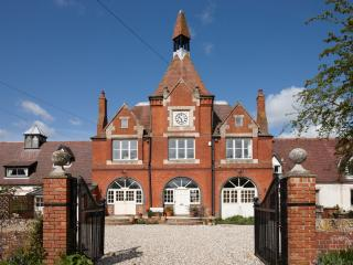 The Clock Tower, Lower Catesby, Nr Daventry - Daventry vacation rentals