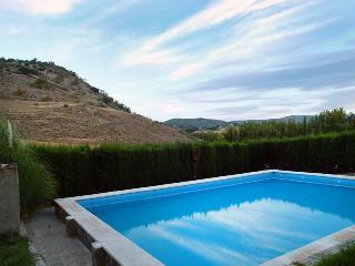 3 bedroom House with Outdoor Dining Area in Alcala la Real - Alcala la Real vacation rentals
