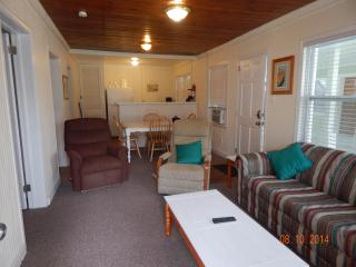 Newly Renovated Ocean Blvd. Cottage A - North Myrtle Beach vacation rentals