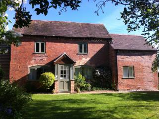 Perfect Cottage with Internet Access and Central Heating - Inkberrow vacation rentals