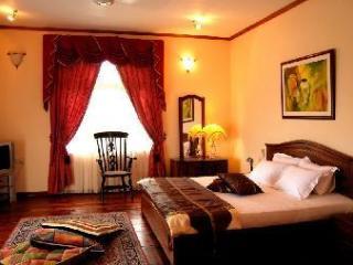 Spacious 5 bedroom Bed and Breakfast in Katunayaka - Katunayaka vacation rentals